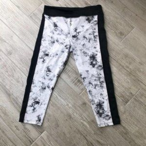 Forever 21 Black White Tie Dye Workout Leggings